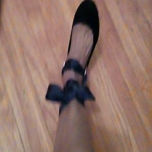 New flat black shoe